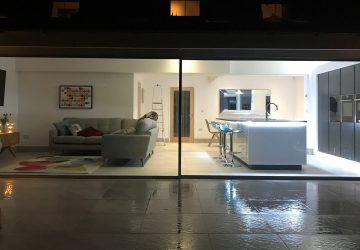 Cero slim sliding doors night photo